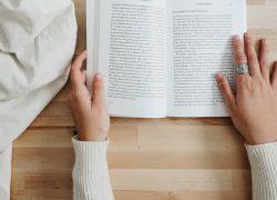 تدقيق الكتب والروايات
